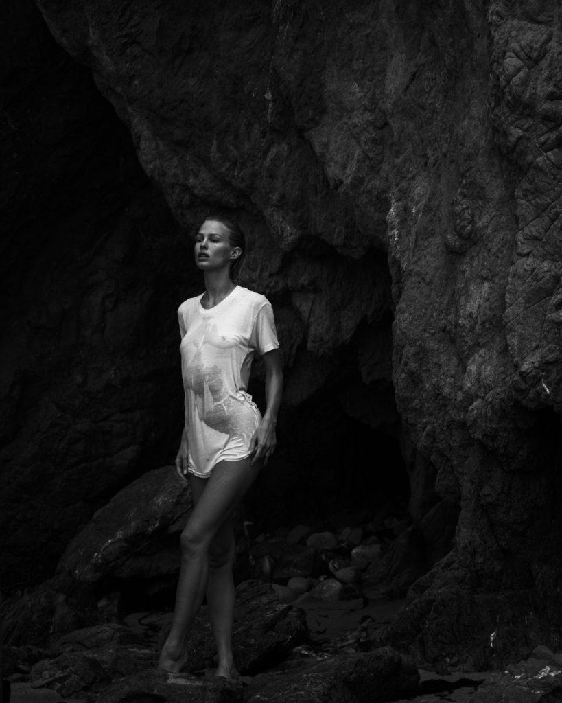 legs Hacked Sydney Roper naked photo 2017