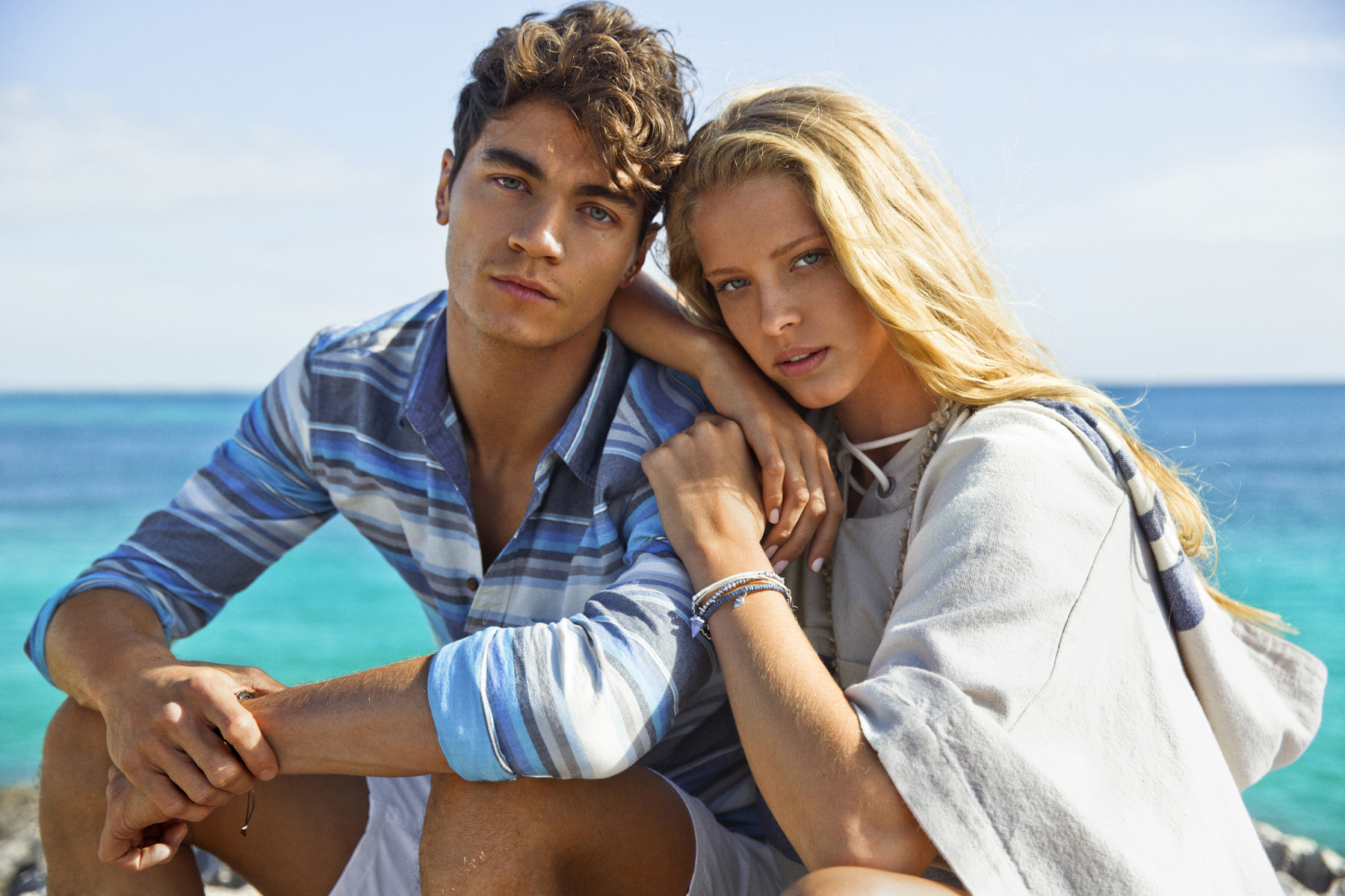 Pin It American Eagle Outers Spotlights Sunny Style For Spring 2016